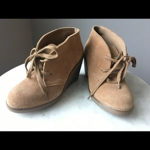 Aldo beige suede ankle boot size 36